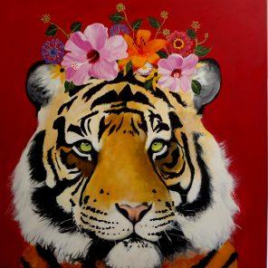 Tigre couronné de fleurs