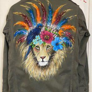 Lion coiffe indienne et perroquet bleu